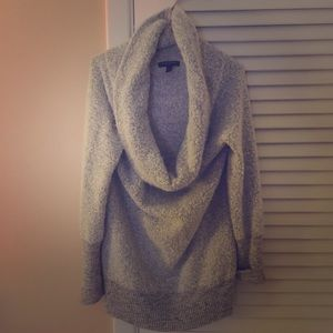 BANANA REPUBLIC//cozy grey cowl neck sweater M